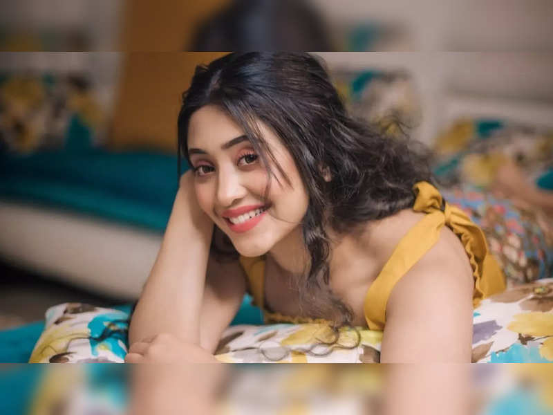 Shivangi Joshi's witty reply to fan who asked her about her plans of getting married; also reveals if she has ever fallen in love