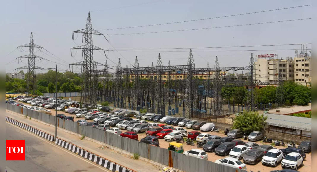 Centre's threat to snap power supply makes states pay up