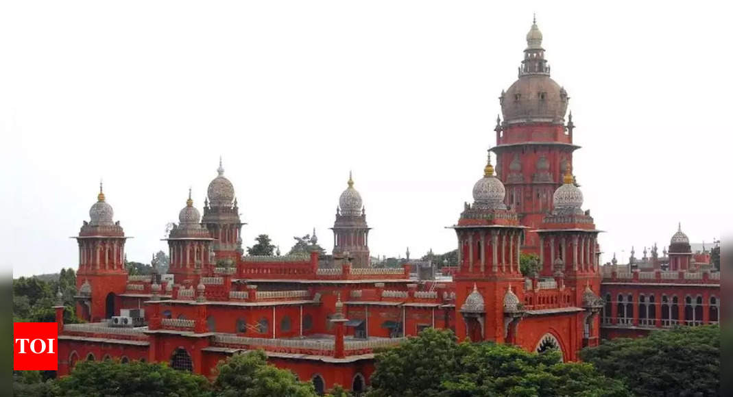 HC stays 2 clauses of IT rules, says they may rob media of independence