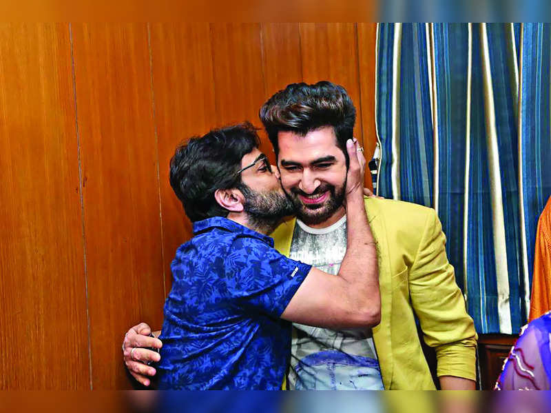 Prosenjit and Jeet to share screen in Souvik directorial?