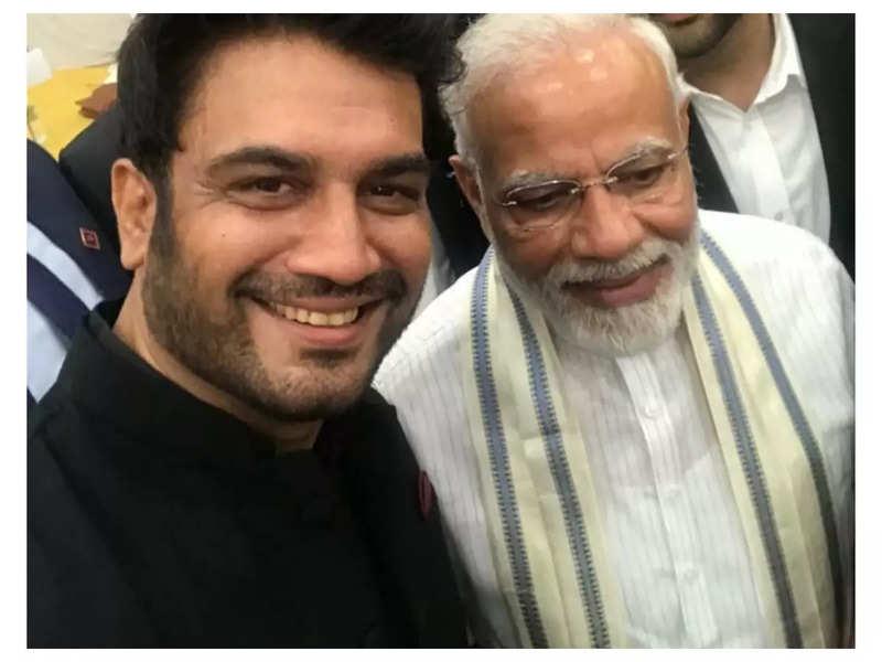 Sharad Kelkar wishes honourable PM Narendra Modi on his birthday with an adorable post
