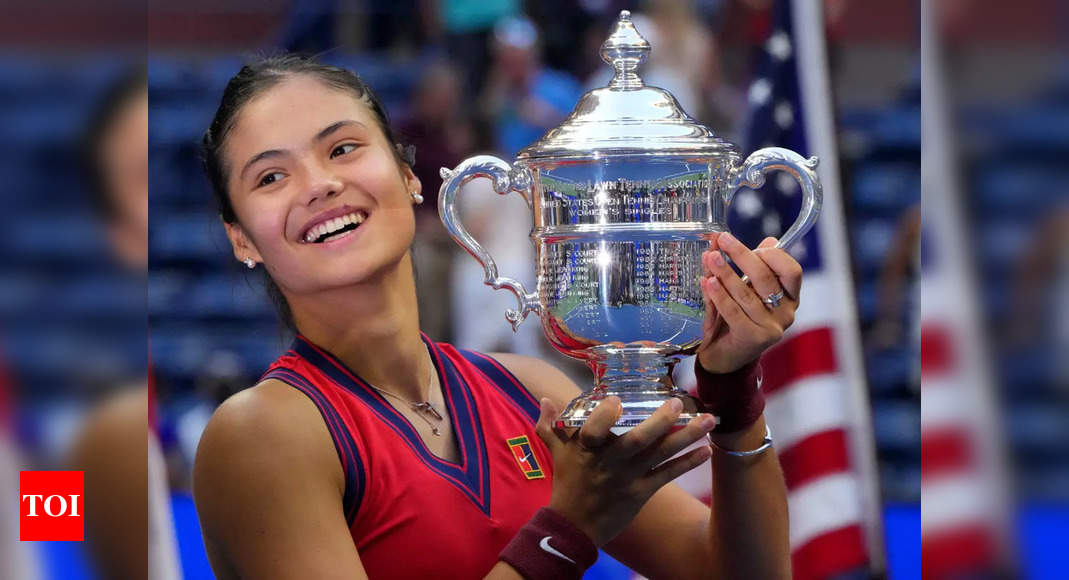 Emma Raducanu relives US Open glory on first night back home