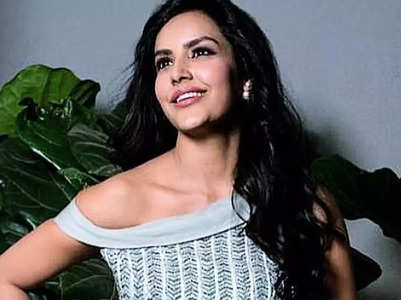 Priya Anand's sparking pictures