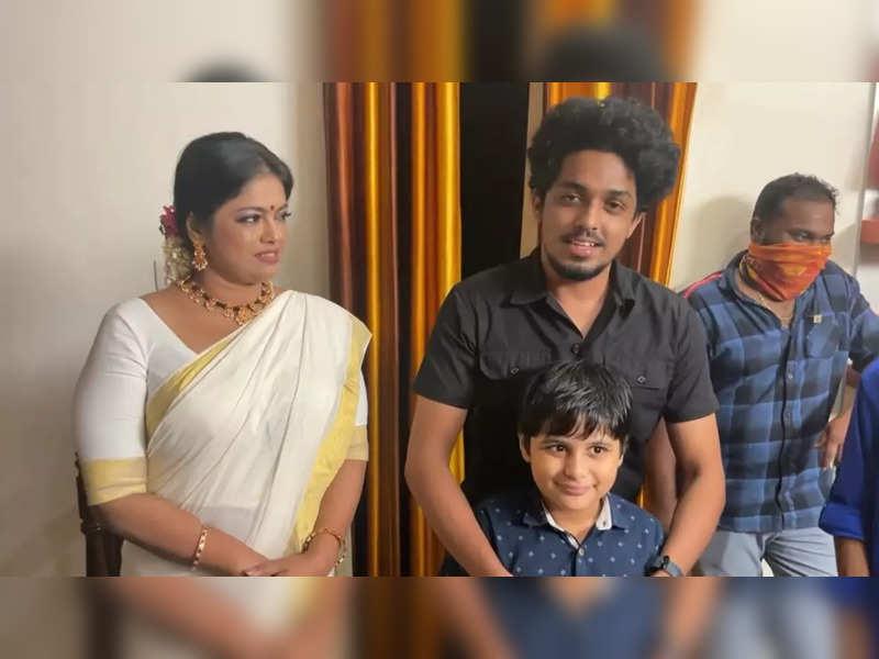 Team Thatteem Mutteem felicitates actors Manju Pillai and Sagar for their performances in movies