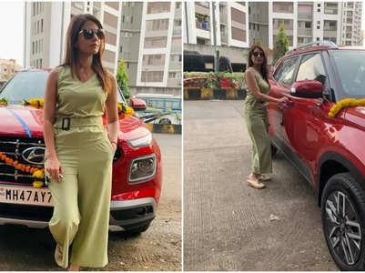 SNS 2 fame Akanksha Juneja buys new car