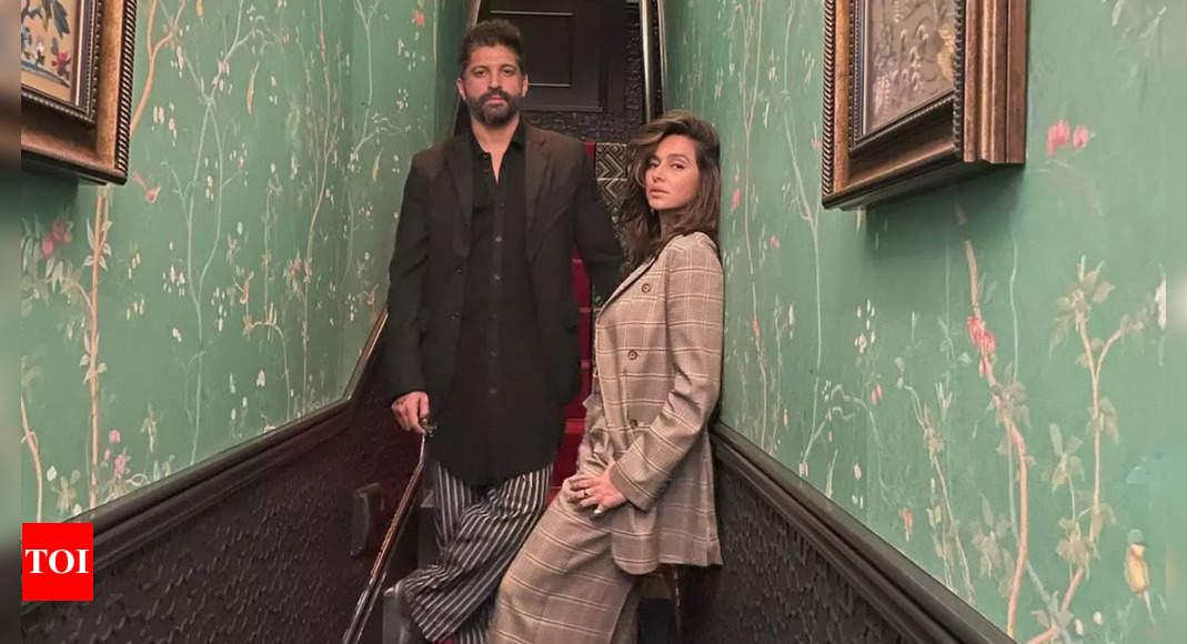 Check out Shibani-Farhan's new couple pic