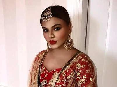 Rakhi Sawant gets support from husband Ritesh