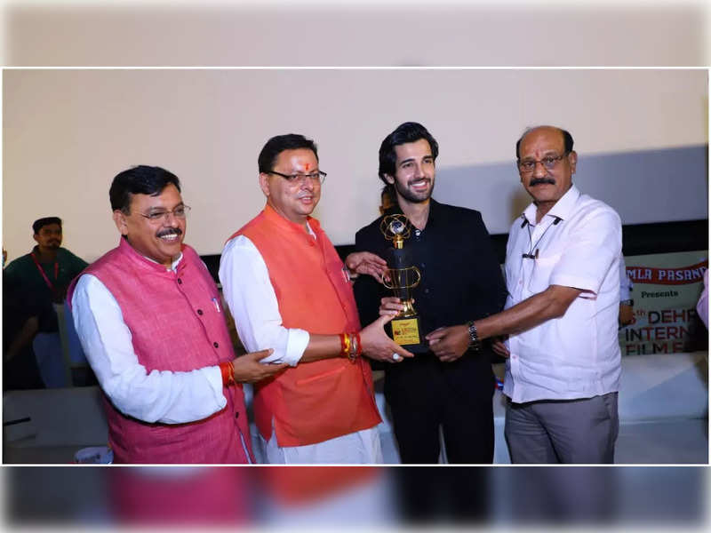 Aditya Seal gets honoured with the 'Most Promising Actor' award by Uttarakhan Chief Minister