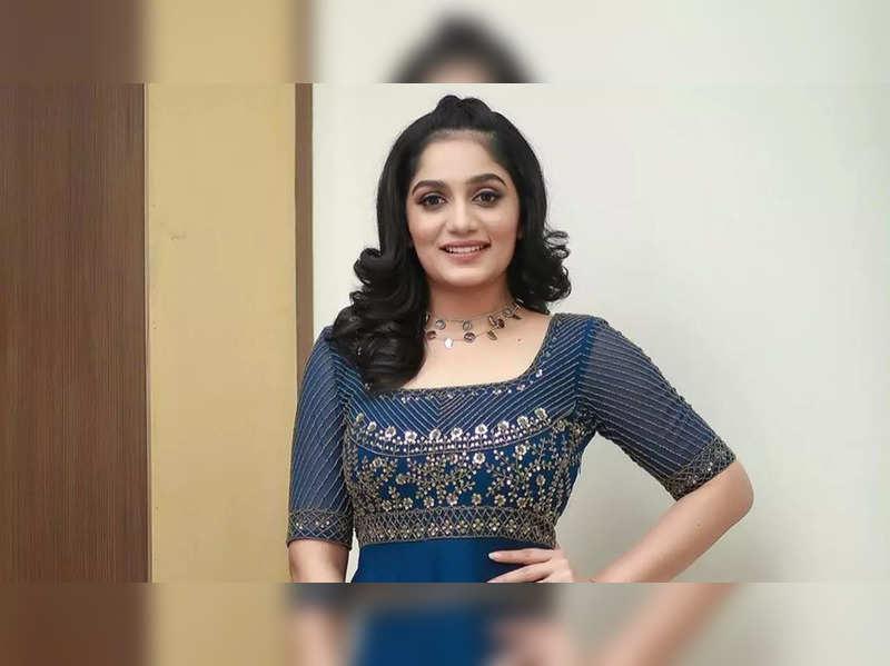 Iconic show 'Valkkannadi' is back; Arya to host the show