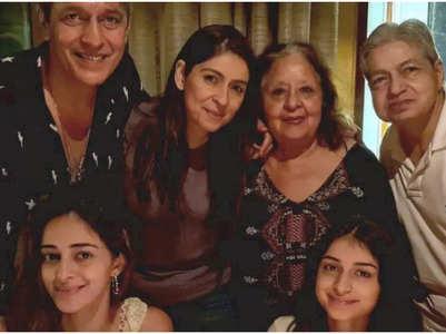 Bhavana's cosy evening with Ananya & family