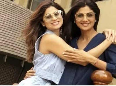 Shilpa gives a warm welcome to sis Shamita
