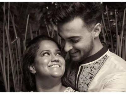 Arpita shares a romantic post for Aayush