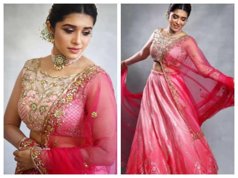 Sanskruti Balgude looks breathtakingly beautiful in this pink lehenga; See pics