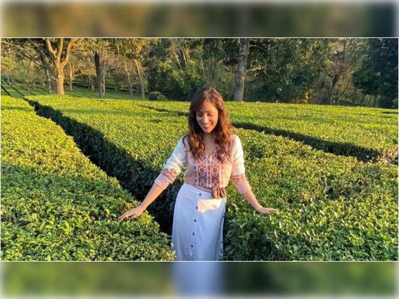 Yami Gautam expresses her love for Chai as she visits a tea garden