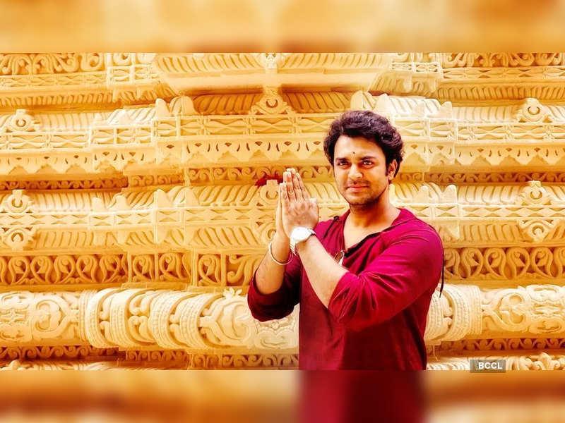 Vikram Shri announces his new project Anbe Sivam (Photo - Instagram)