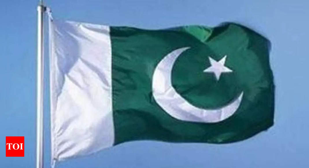 Pakistan among 10 countries where internet freedom is on decline: Report