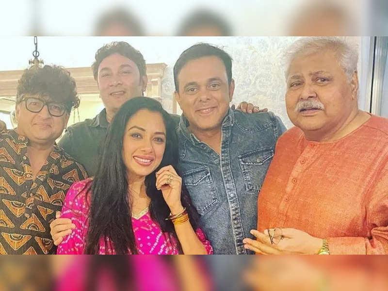 Sarabhai vs Sarabhai gang's fun reunion; Rupali Ganguly, Satish Kaushik, Sumeet Raghavan and Rajesh Kumar's picture will make you nostalgic