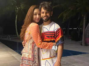 Disha wishes Rahul with cosy pics on his b'day