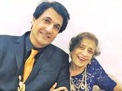 Shiamak Davar's mother passes away