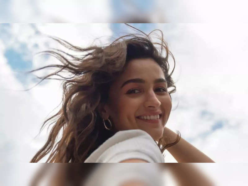 Navya Naveli Nanda and Akansharanjan Kapoor gush over Alia Bhatt's dreamy clicks