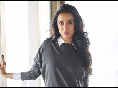 Shraddha Kapoor enjoys auto-ride in Mumbai