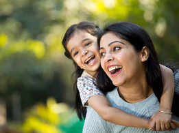 Happy Daughters Day 2021: Top 50 Wishes, Messages and Quotes to share with your daughter to make her feel special