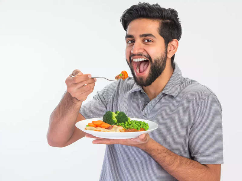 Do not count calories for weight loss, track intake of carb and processed foods instead: Experts