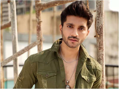 Prateik Chaudhary bags a show after 2 years
