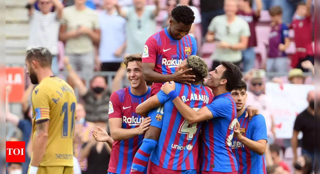 Fati back with a bang as Barcelona beat Levante to ease pressure on Koeman