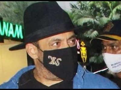 Salman trolled for wearing 'ulta mask'