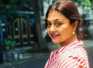 Debjani Chatterjee reunites with Arindam Sil for 'Tirandaj Shabor'