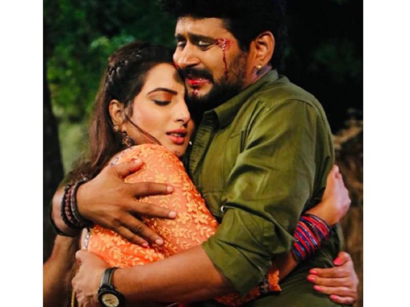 Sonalika Prasad shares a still with co-star Yash Kumar from the set of 'Paheli'