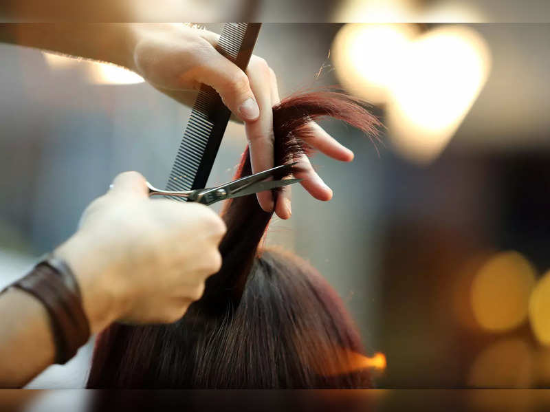 Court wants Delhi hotel to pay INR 2 crore for model's bad haircut