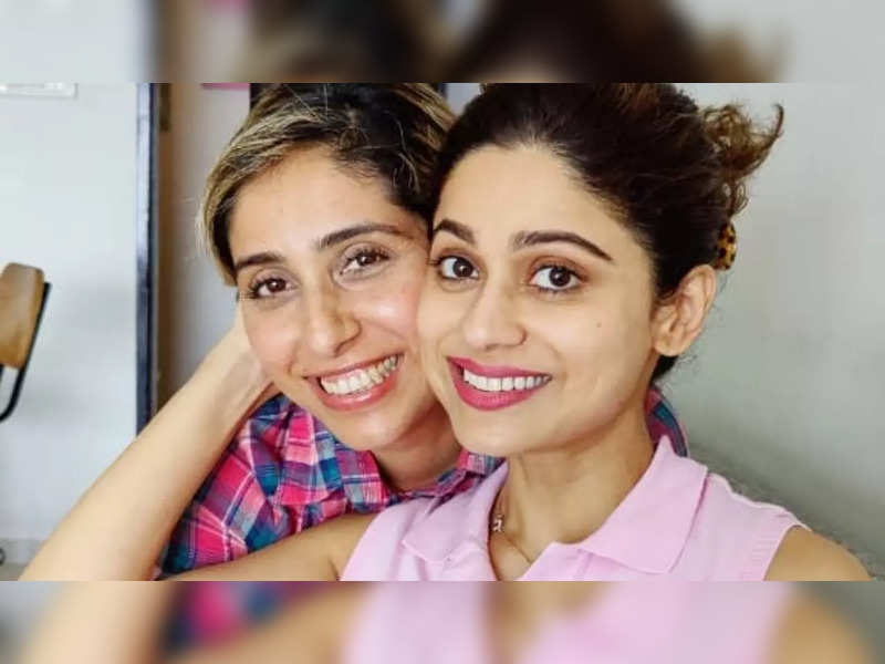 Neha Bhasin's fans want her to be seen on Bigg Boss 15 with Shamita Shetty; read tweets of support for the singer