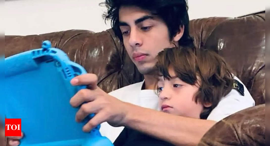 Gauri shares a glimpse of Aryan and AbRam