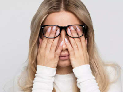 Identify these signs of blurred vision