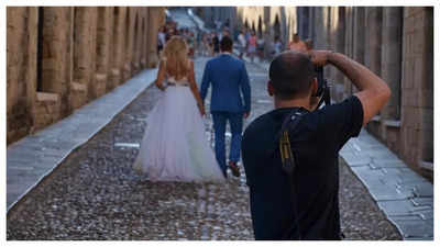 Hangry photographer deletes couple's photos after he was denied food or water at a wedding