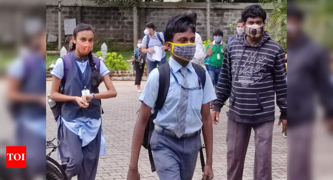 , Mumbai: Students stirring out of bubble with a smile but parents wary, The World Live Breaking News Coverage & Updates IN ENGLISH