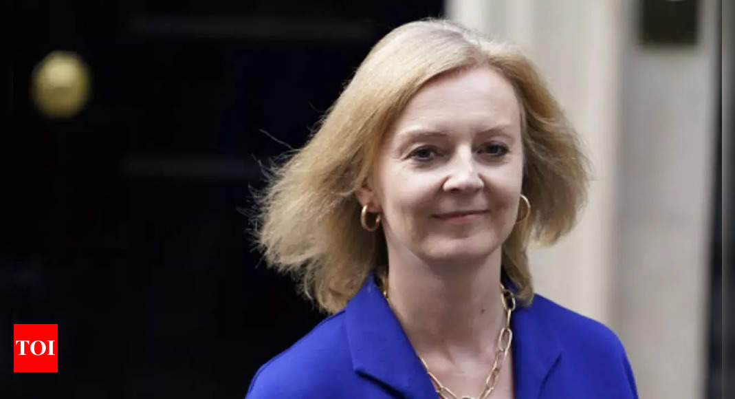 UK wants trade and security pact with India, says minister Truss thumbnail