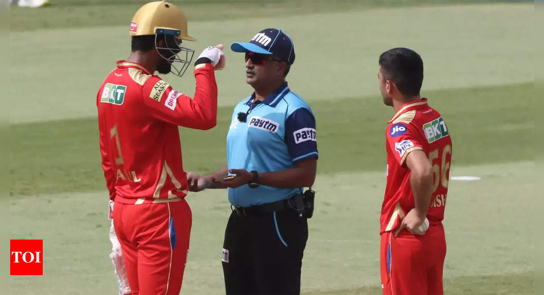 Indian match official exposed again as 3rd umpire Srinivasan fails to spot spike   Cricket News – Times of India