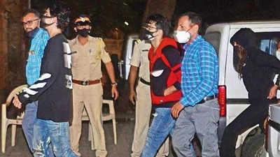Aryan Khan News: Aryan Khan was apologetic, his friend hid drugs in his  shoe, says NCB | Mumbai News - Times of India