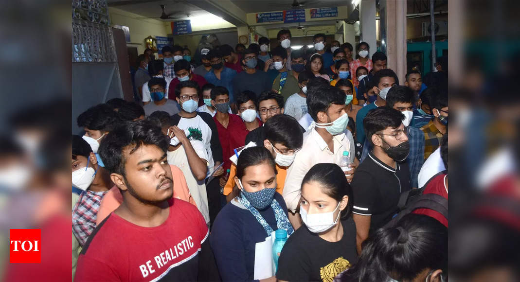 , Over 2,000 aspirants sit for JEE (A) at 4 centres in Indore, The World Live Breaking News Coverage & Updates IN ENGLISH