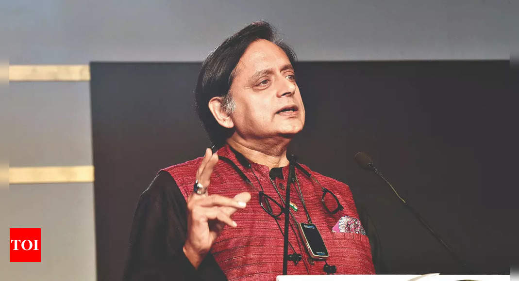 Repelled by 'ghoulish epicaricacy' of those 'witch-hunting' Shah Rukh over son's arrest: Shashi Tharoor