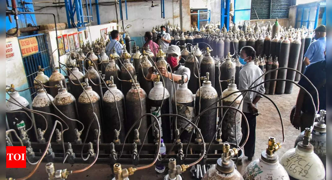 Easy to criticise govt, court unless you are in hot seat: SC on probe into Oxygen supply