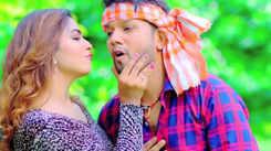 Neelkamal Singh and Shilpi Raj's new Bhojpuri song 'Mohabbat Pe Bhari Naukari Sarkari' is an instant hit