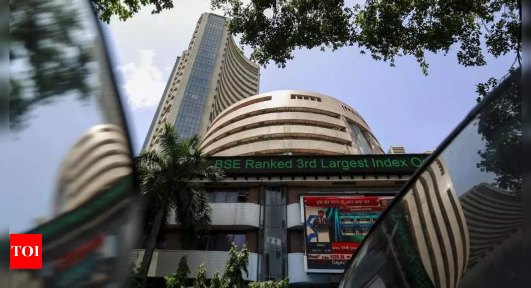 Sensex jumps 488 points on positive global cues; Nifty ends at 17,790
