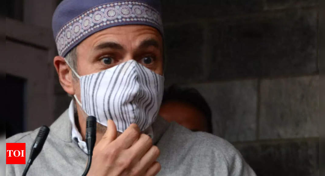 Omar appeals not to flee 'out of fear', Mufti calls J&K Centre's 'hellhole'