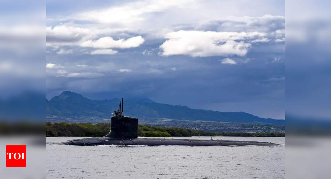 US nuclear sub hits 'object' in South China Sea