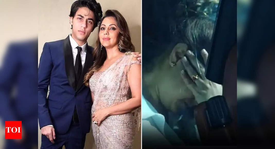 Video of Gauri Khan breaking down goes viral