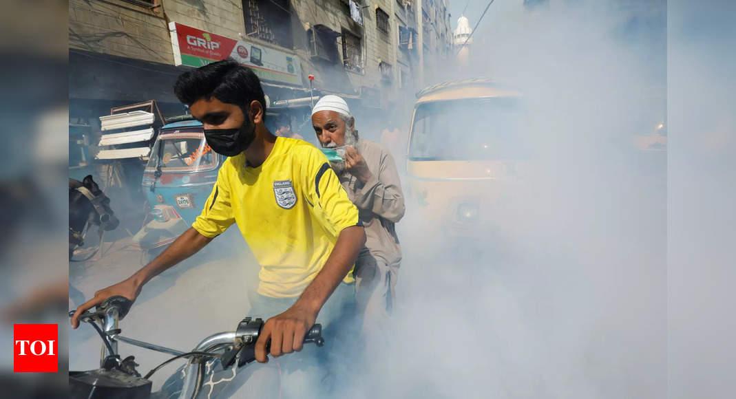 Pakistan hospitals run out of beds on dengue surge thumbnail